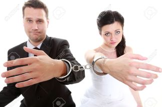 22696026-Break-up-ending-relationship-between-husband-and-wife-Couple-in-divorce-crisis-Man-woman-unhappy-hol-Stock-Photo